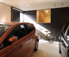 【名古屋市南区】「広い家には興味がなかった。」30坪で2台並列のビルトインガレージができる事に目標を絞って叶えたコンパクトなガレージハウス