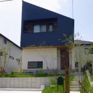 【名古屋市緑区】大空間のLDKに広がる大きな窓! 木造でも地震に強い家を求めてたどり着いたマイホーム