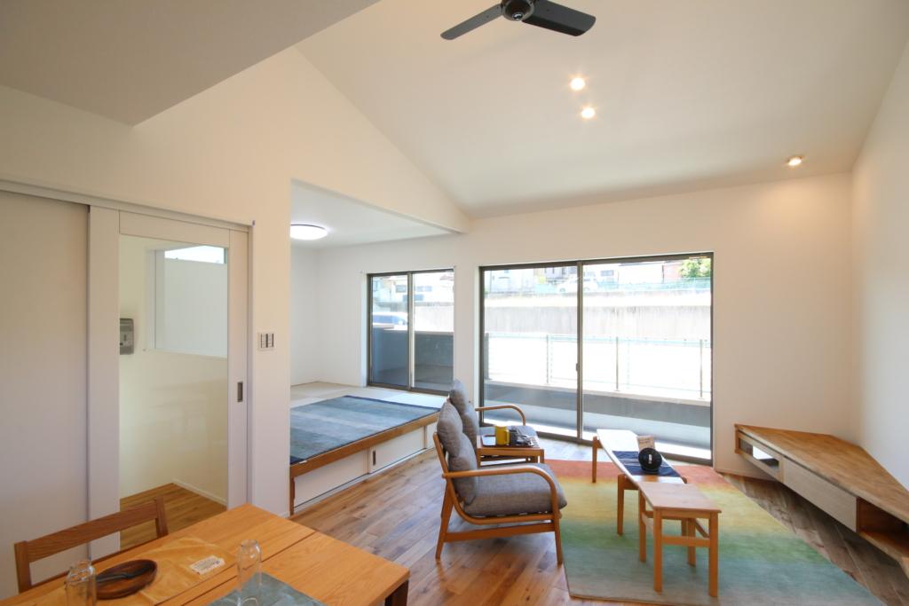 【予約制】旗竿地に建つ、開放的な勾配天井の2階リビングと、「お家時間」を楽しむ家 SE構法完成見学会